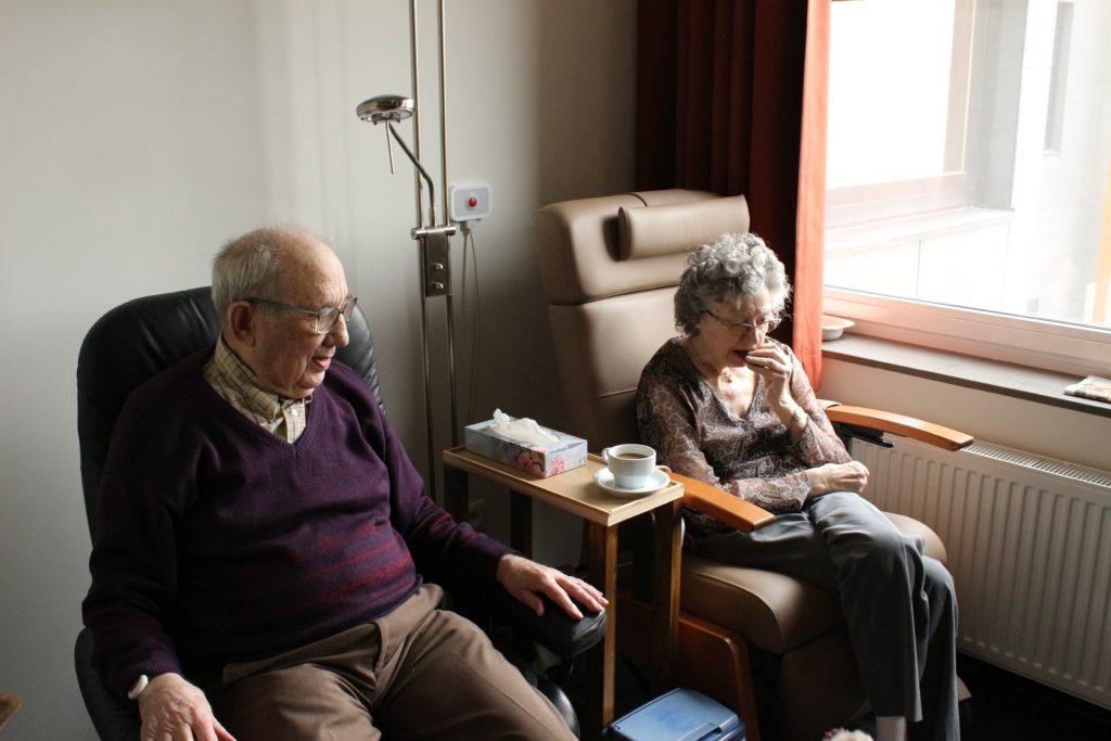 Why do elderly not like nursing homes?
